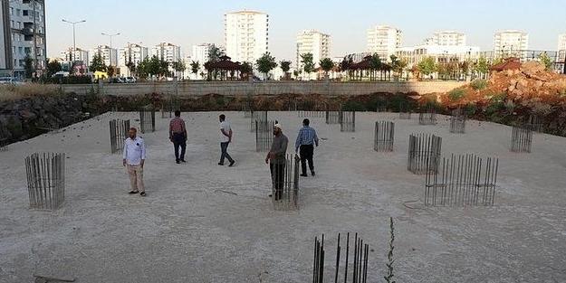 Cami yapımını engelleyen HDP'li belediyeye tepkiler çığ gibi: Çekin o pis ellerinizi camilerimizden!