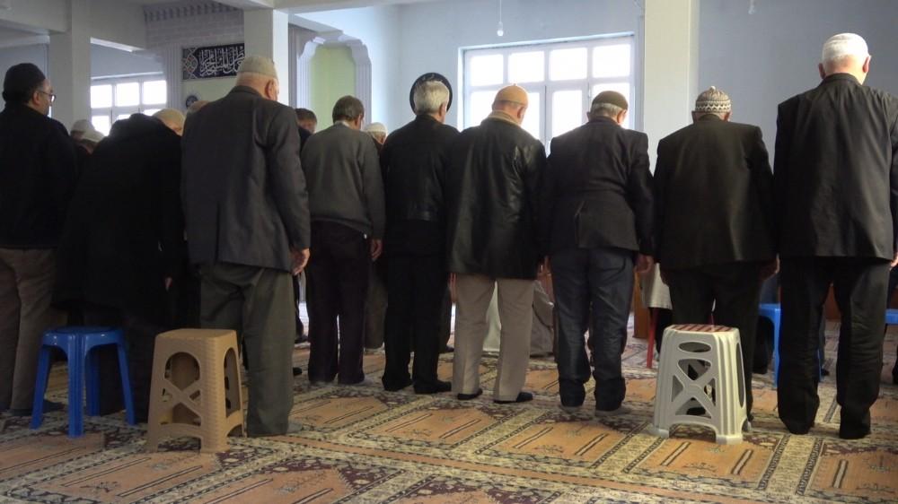 Camilerden sabit taburelerin kaldırılması Denizli'de memnuniyetle karşılandı