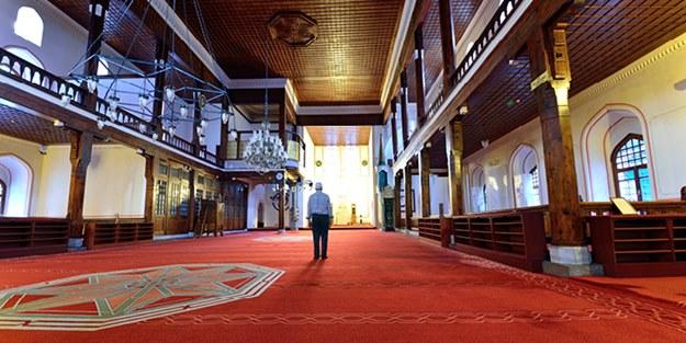 Camiye molotoflu saldırı