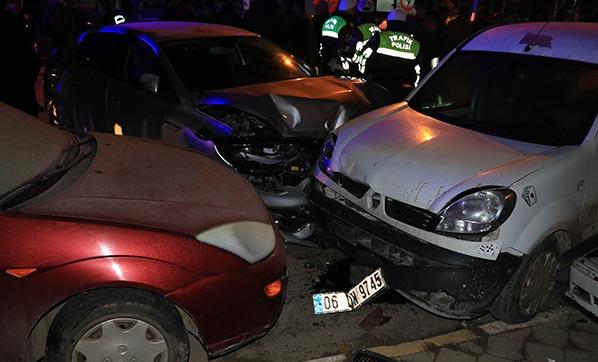 Çankırı'da zincirleme trafik kazası: 4 kişi yaralı