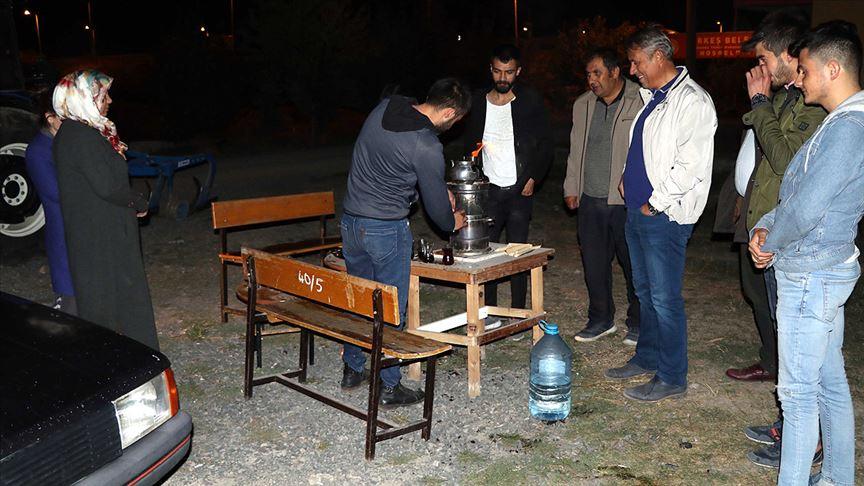 Çankırı'nın Çerkeş ilçesinde gün boyu süren sarsıntılar vatandaşı sokağa döktü