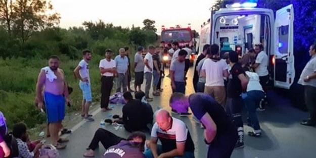 Çatalca'da minibüs devrildi: 12'si ağır 20 yaralı