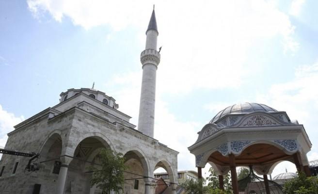 Çav Bella Şarkısıyla İlkel Zihniyet İzmir'de Hortladı