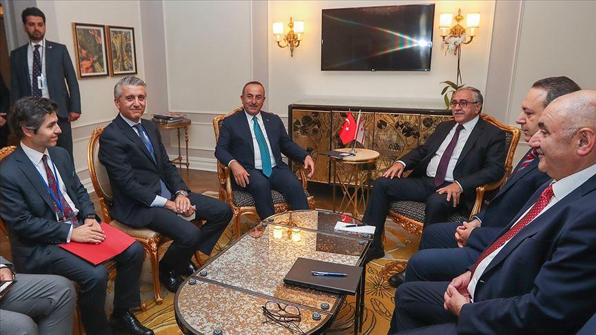 Çavuşoğlu KKTC Cumhurbaşkanı Mustafa Akıncı ile görüştü