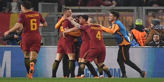 Cengiz Ünderli Roma Şampiyonlar Ligi'nde adını çeyrek finale yazdırdı