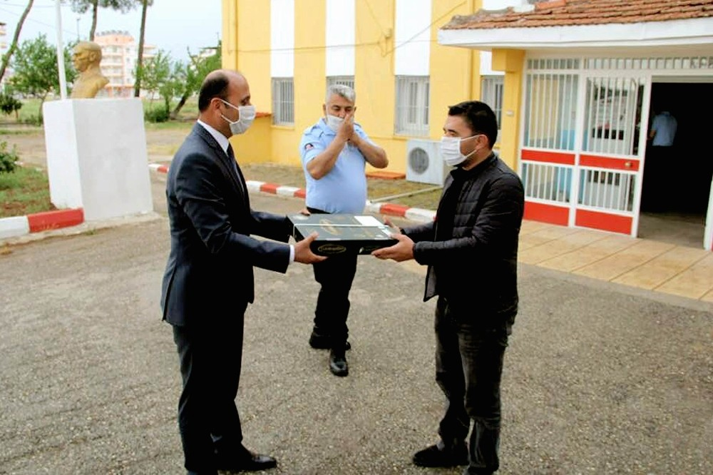 Cezaevi mahkumlarına baklava dopingi