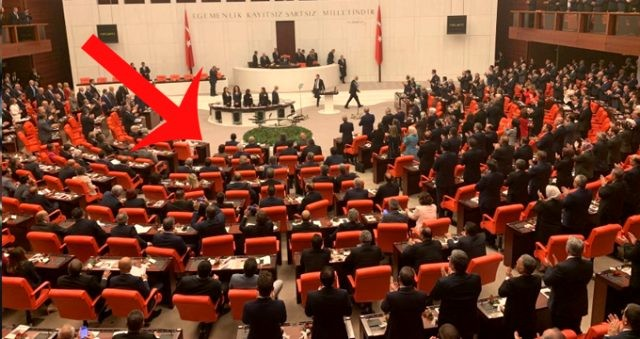 CHP ve İYİ Parti arasında 'Erdoğan' çatlağı! TBMM'de dikkat çeken görüntü