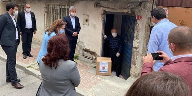 CHP'li Gamze Akkuş İlgezdi ve beraberindekilerden oluşan heyet yardım dağıtımını şova çevirdi
