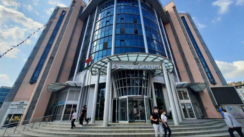 CHP'li İzmit Belediyesi mülklerini satışa çıkardı