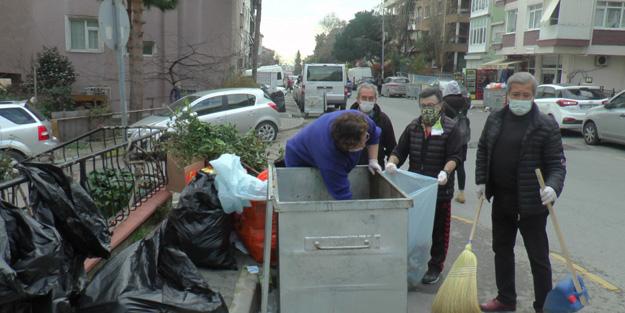 CHP'li Belediyede toplanmayan çöpleri CHP'li vatandaşlar topladı