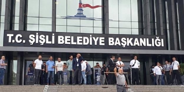 CHP'li Şişli Belediyesi'ndeki makam odasına haciz geldi!