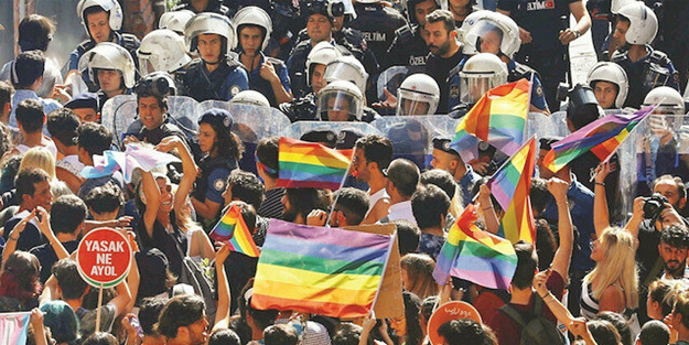 CHP'liler devrede! Boğaziçi'ndeki LGBT eylemlerinin finansörleri ortaya çıktı - Yeni Akit Gazetesi - Haber Ofisi