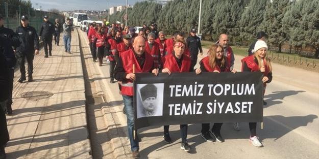 CHP'nin 'Kırmızı yeleklileri' Kılıçdaroğlu'nu devirmekte kararlı