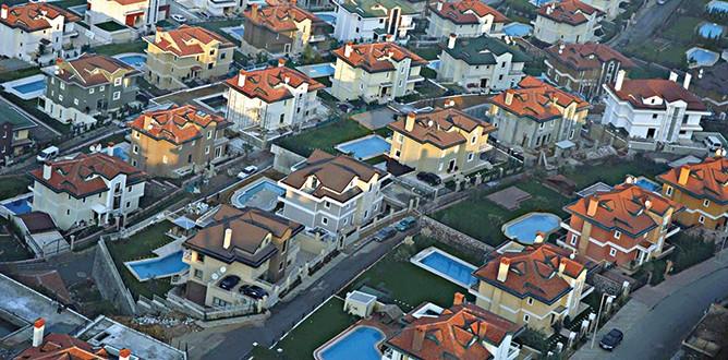 CHP'nin oy deposu havuzlu villalar