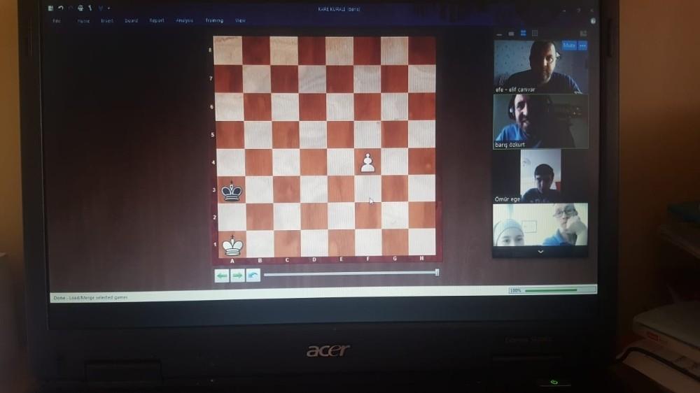 Çiğli Belediyesinden çocuklara online satranç kursu
