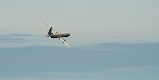 Çin savaş gemisinden ABD gözetim uçağına saldırı