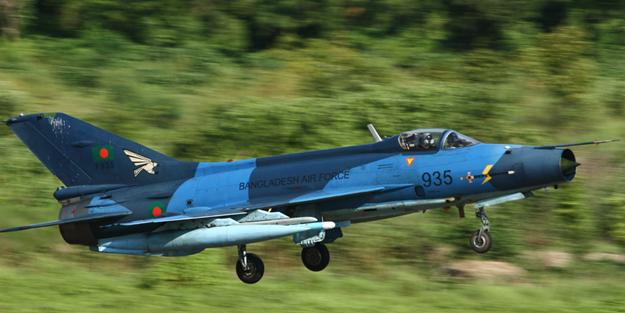 Çin yapımı savaş uçaklarına Türk teknolojisi!
