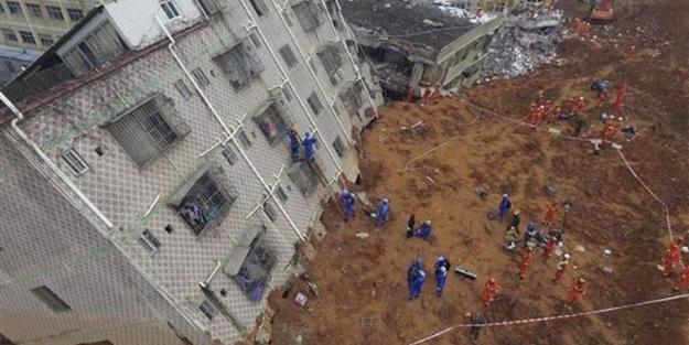 33 bina bir anda toprak altında kaldı!