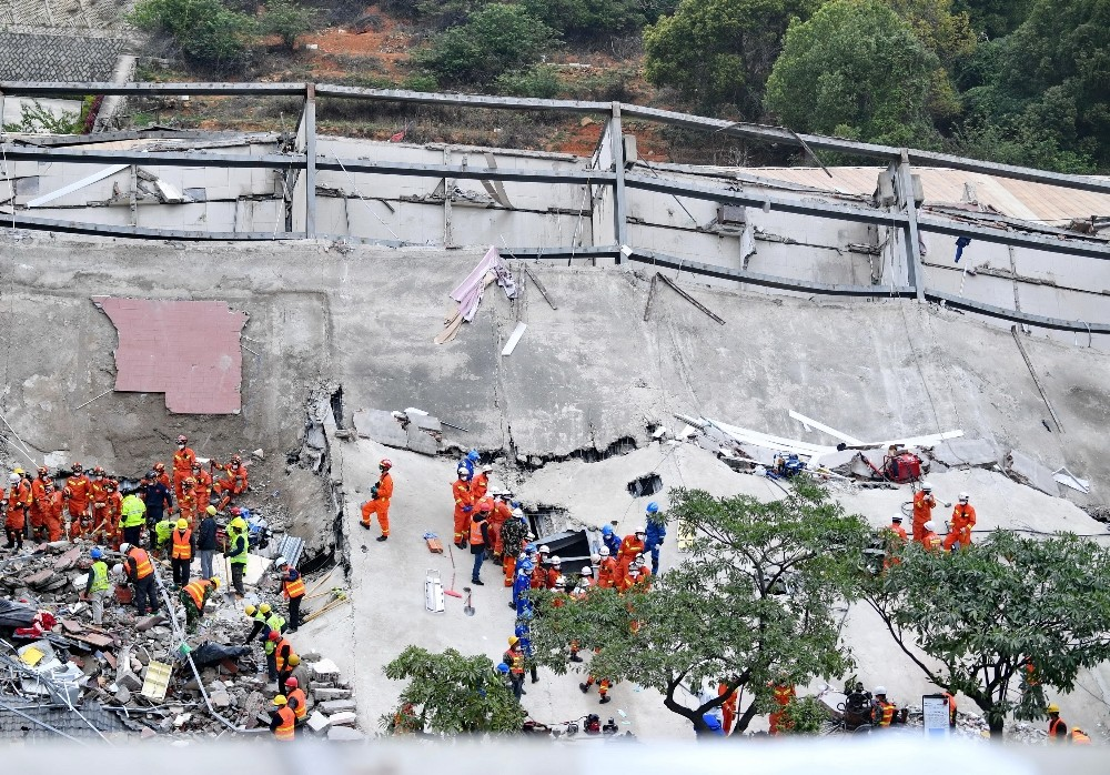 Çin'de çöken karantina otelinin enkazından 10 cansız bedene ulaşıldı