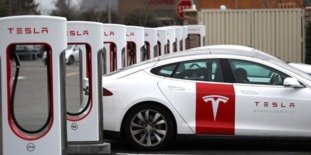 Çin'de hayat normale dönüyor! Tesla rekor kırdı