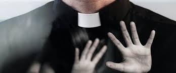 Cinsel istismarlar kiliseden soğuttu