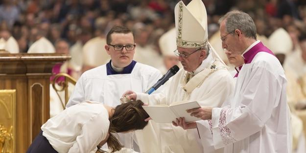 Cinsi sapıklık bitmiyor! Vatikan'da taciz skandalı
