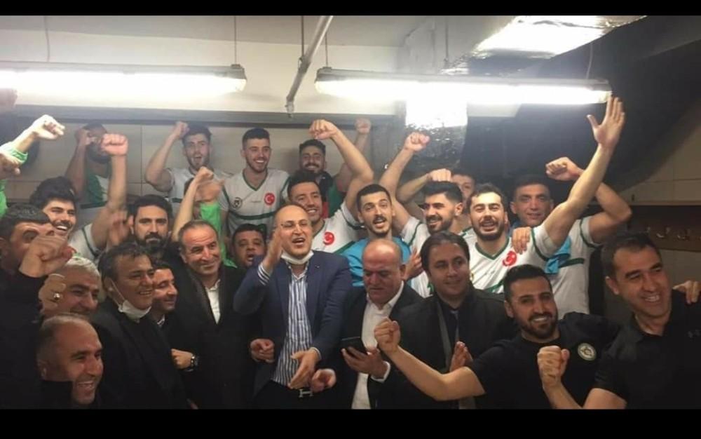 Cizre Belediyesi erkek voleybol takımı 1. Lig yarı finalinin ilk maçını aldı