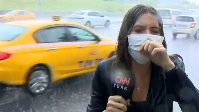 CNN Türk muhabirinin canlı yayındaki zor anları! Öksürüğe boğuldu