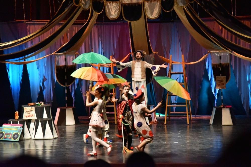 Çocuklar tiyatro oyunu ile hem eğlendi hem öğrendi