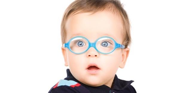 Çocuklarda astigmatın belirtileri neler 6
