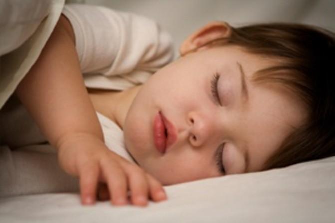 Çocukları ağlatmadan uyku eğitimi nasıl verilir?