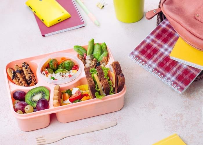 Çocukların ara öğünlerinde ve beslenme çantalarında olması gereken besinler