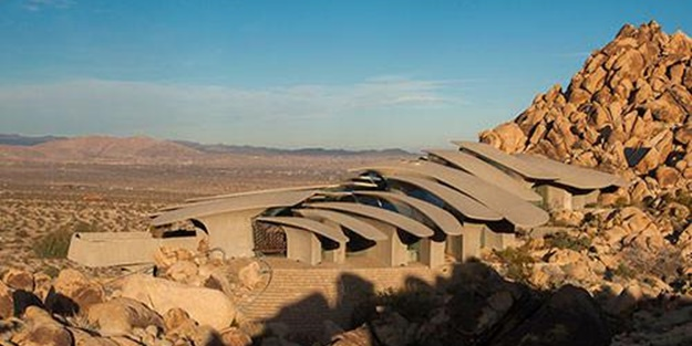Çöl ortasında ilginç mimari - FOTO