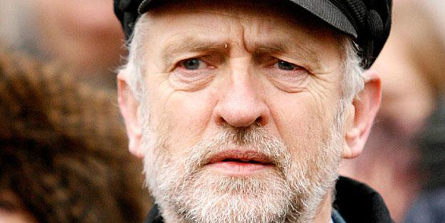 Corbyn'in Kraliçe'ye ayıracak vakti yok!
