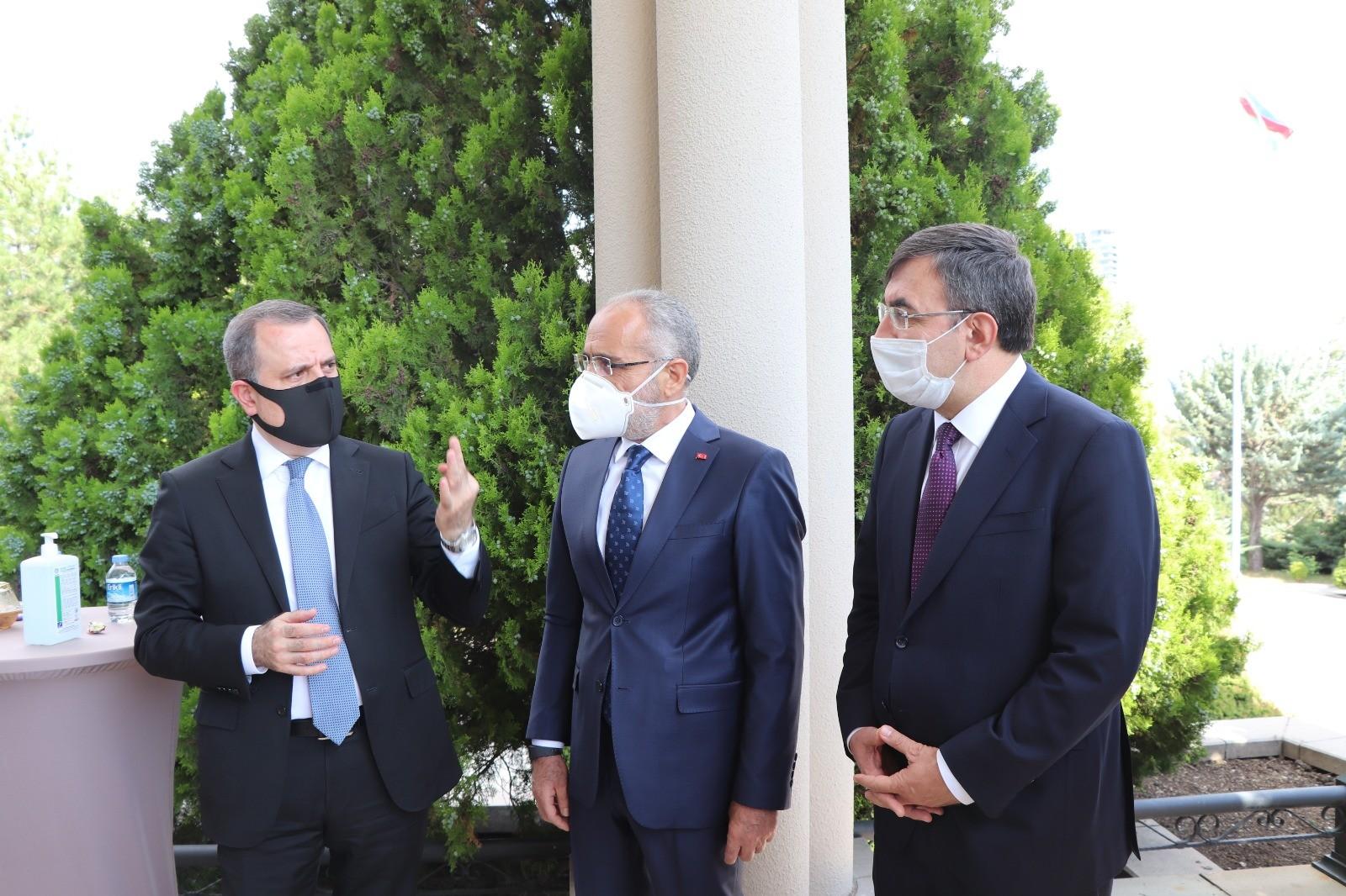 Cumhurbaşkanı Başdanışmanı Yalçın Topçu'ya Azerbaycan Cumhuriyeti Hatıra Madalyası takdim edildi