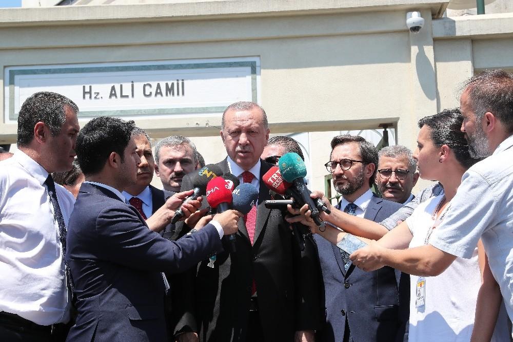 """Cumhurbaşkanı Erdoğan: """"Aracın içerisinde bomba olduğu belli"""""""