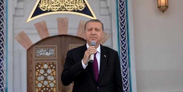Cumhurbaşkanı Erdoğan camide cemaate seslendi, birlik ve beraberlik mesajı verdi