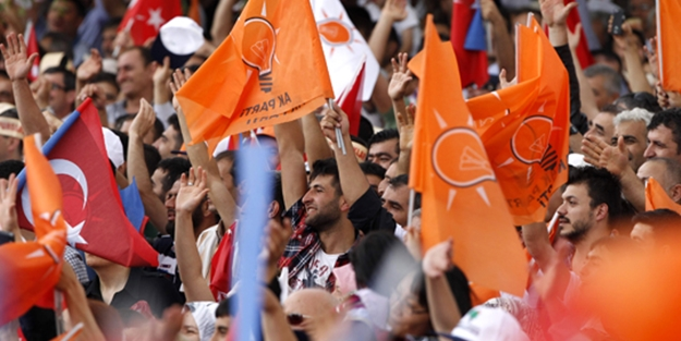 AK Parti'ye sırtını dönenler kongreye davet edilmedi