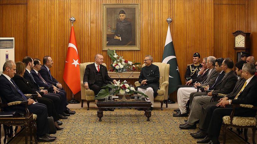 Cumhurbaşkanı Erdoğan ile Pakistan Cumhurbaşkanı Alvi bir araya geldi
