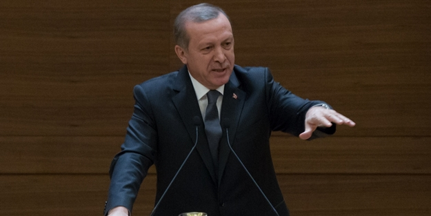 Özgecan'ın ailesi Erdoğan'a siyah başörtü gönderdi