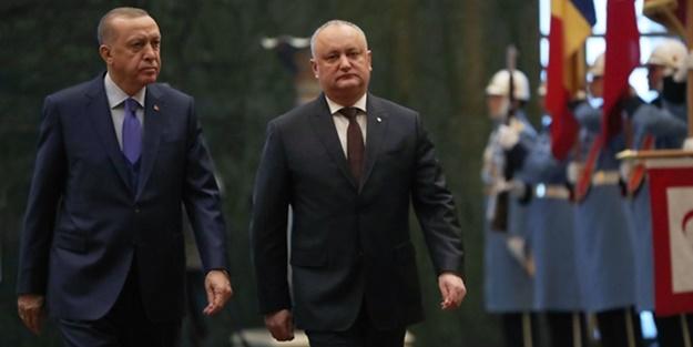 Cumhurbaşkanı Erdoğan resmi törenle karşıladı