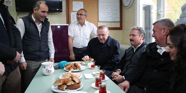 Cumhurbaşkanı Erdoğan, taksi durağında çay içti