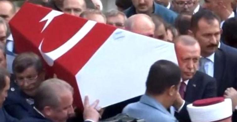 Cumhurbaşkanı Erdoğan ve Davutoğlu, beraber tabut taşıdılar
