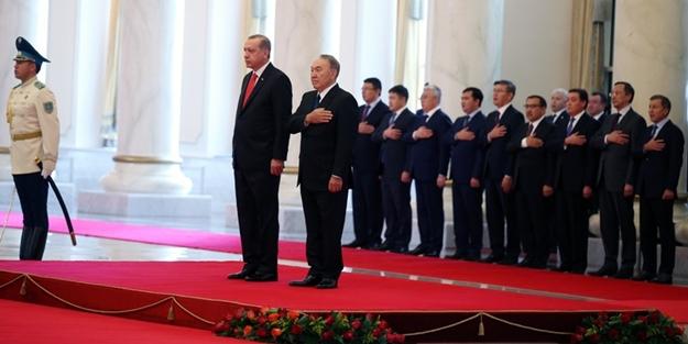 Cumhurbaşkanı Erdoğan'ı karşılama töreninde dikkat çeken 2 MHP'li isim
