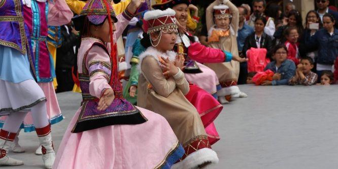Dünya çocuklarının gösterileri büyük ilgi gördü