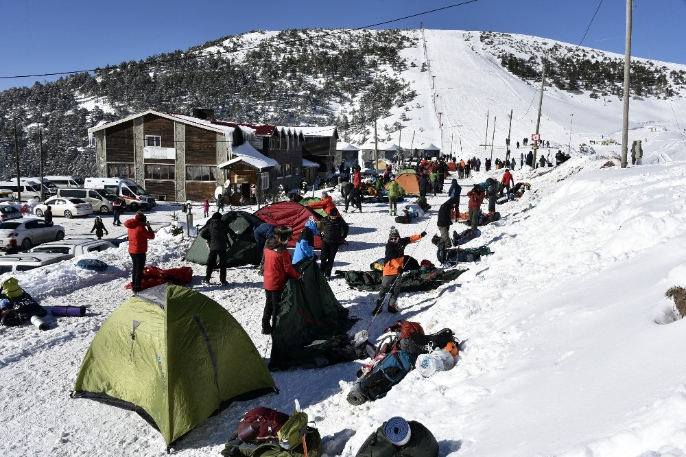 Dağcılar Zigana dağında kamp kurdu
