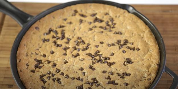 Damla çikolatalı tepsi kurabiyesi tarifi