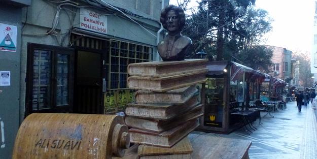 Darbeci Ali Suavi'nin heykeli tepki çekiyor! Kaldırılsın