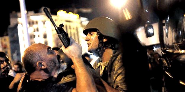 'Darbe tehlikesi hala Türkiye'de mevcut'