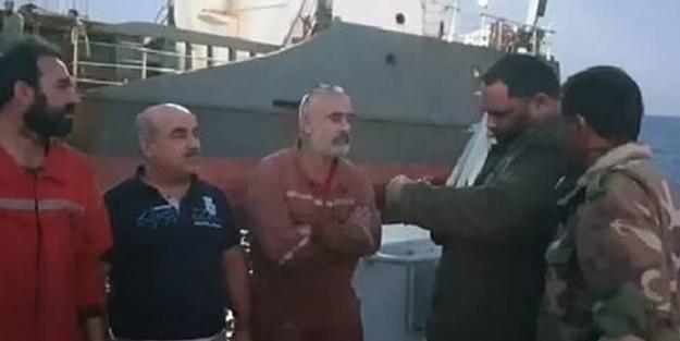Darbeci Hafter güçleri Türk mürettebatlı gemiye el koydu